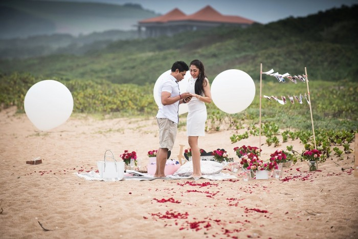 Image 7 of Sue and Shival's Romantic Beach Proposal