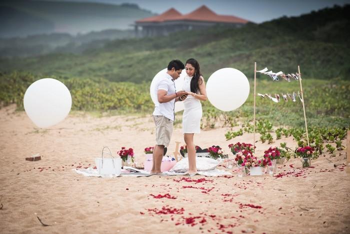 Romantic Beach Proposal (12)