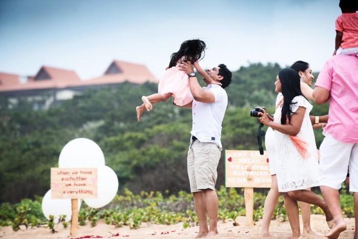 Romantic Beach Proposal (4)