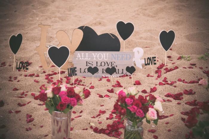 Romantic Beach Proposal (6)