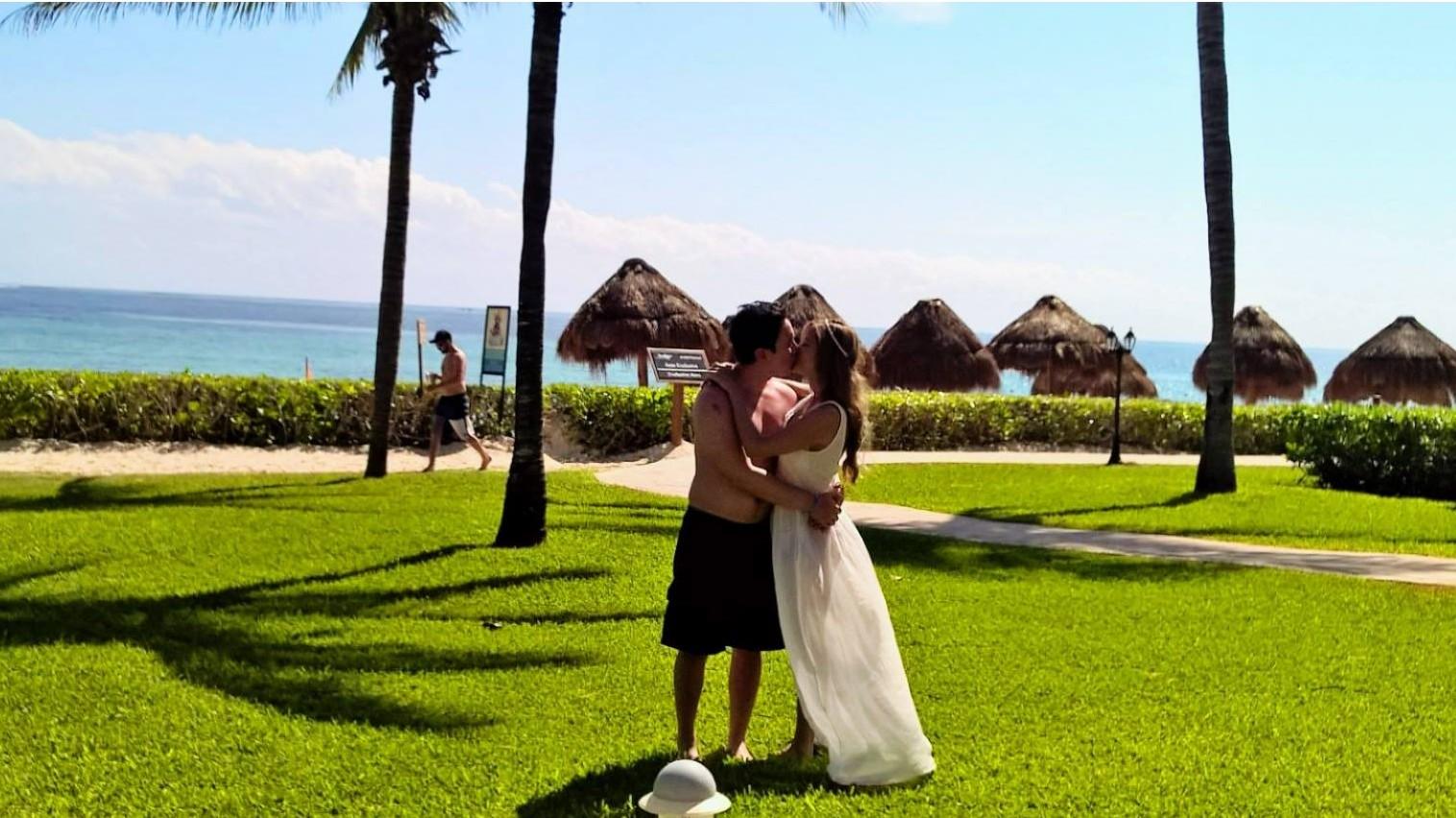 Image 3 of Soraya and Juan