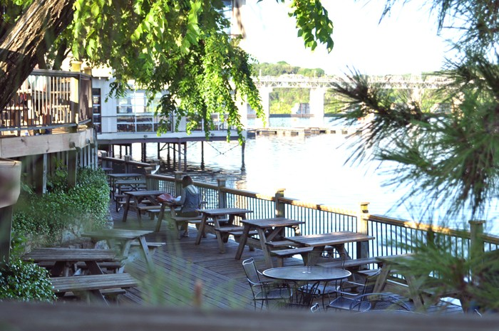 livvyland-blog-mozarts-austin-texas-proposal-engagement-olivia-watson-coffeehouse-atx