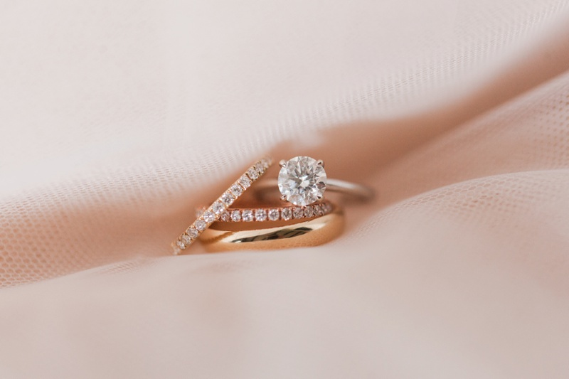 Round Cut Engagement Rings