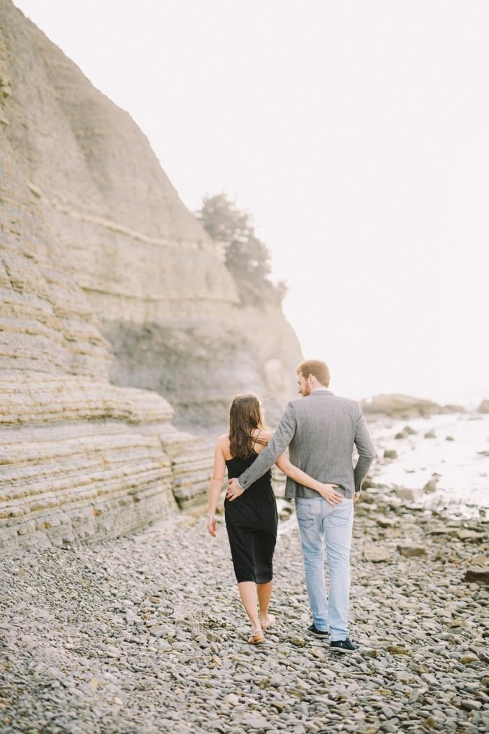 Tjasa_Gregor_zaroka_surprise_proposal_Strunjan_cliff_engagement-3