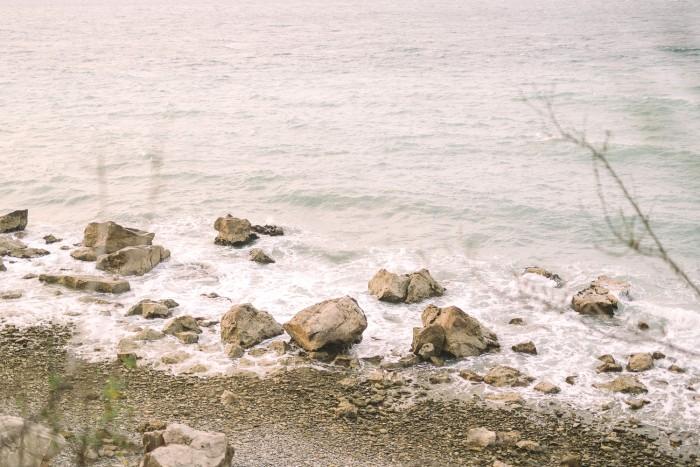Tjasa_Gregor_zaroka_surprise_proposal_Strunjan_cliff_engagement-44
