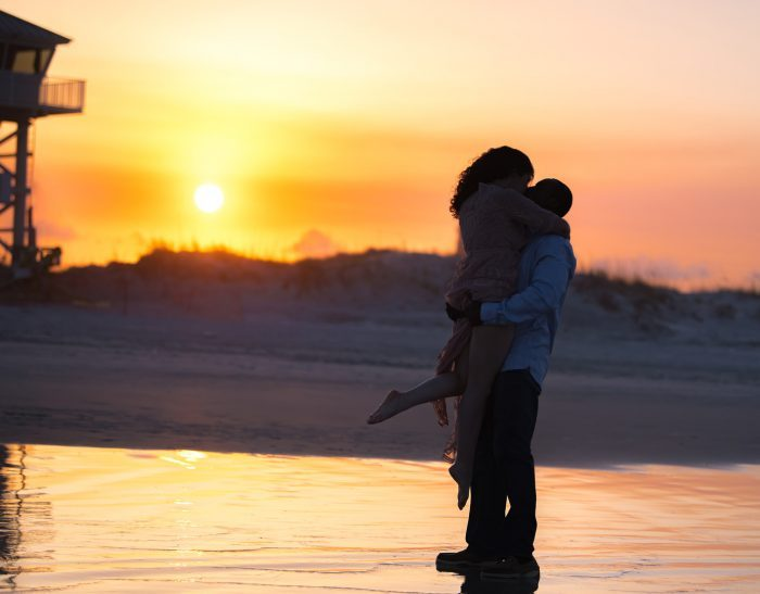Image 12 of 15 Beach Proposal Ideas: For Your Sandy Marriage Proposal this Summer