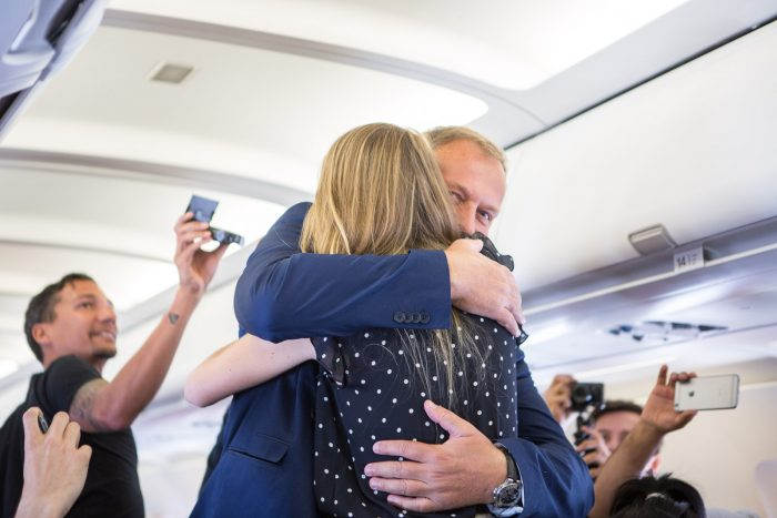 marriage_proposal_in_airplane_6245_web