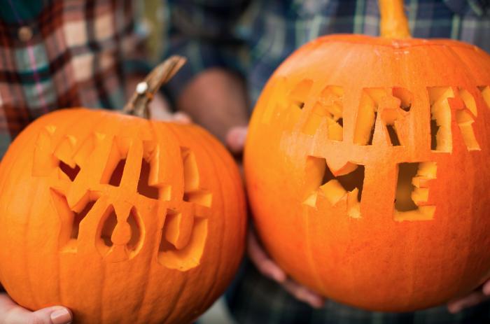 pumpkin-carving-marriage-proposal