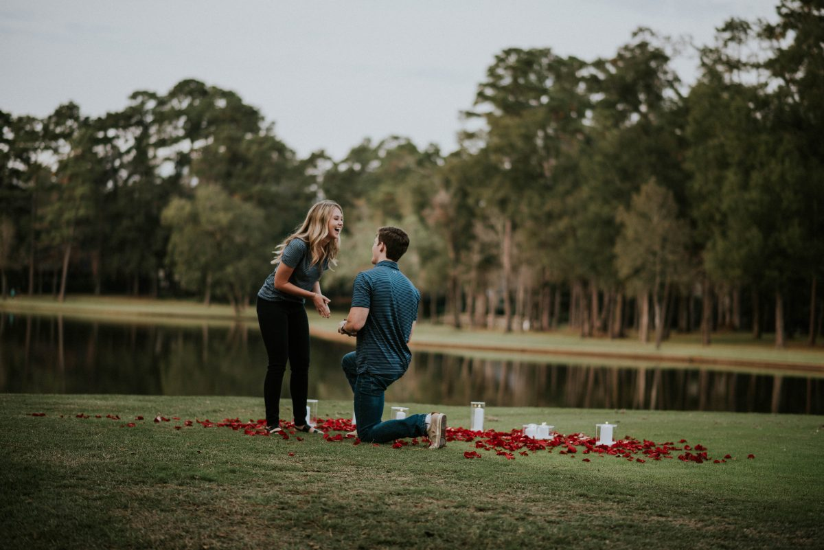 Image 1 of 9 Funny Ways to Get Him to Propose