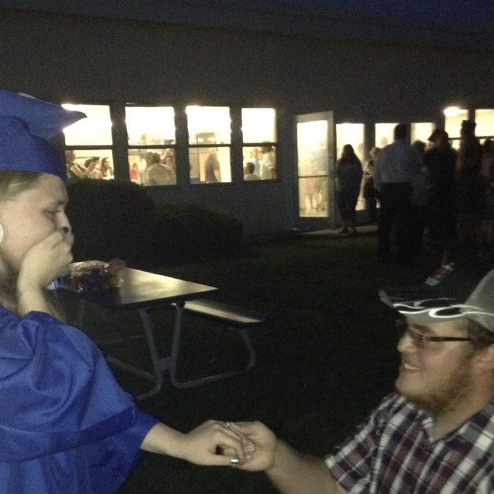 Felicity's Proposal in Highschool Graduation