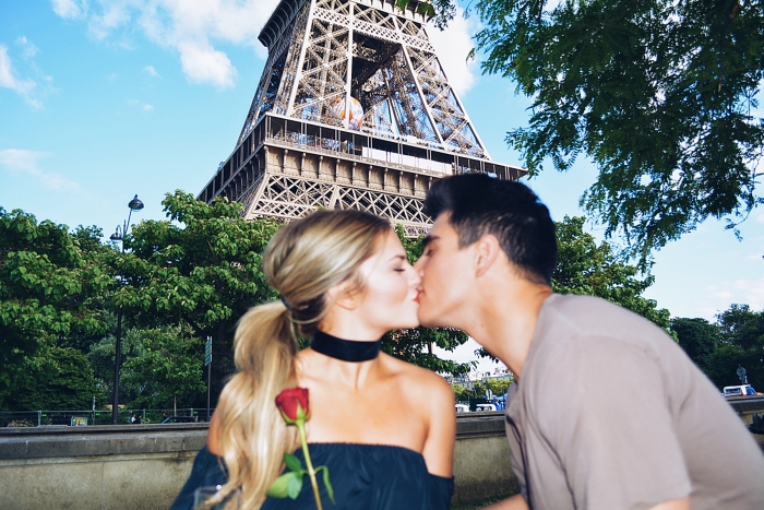 Engagement Proposal Ideas in Top of the Eiffel Tower in Paris, France