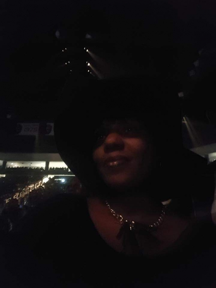 Wedding Proposal Ideas in At the Charlie Wilson Fantasia In It To Win It Tour Concert