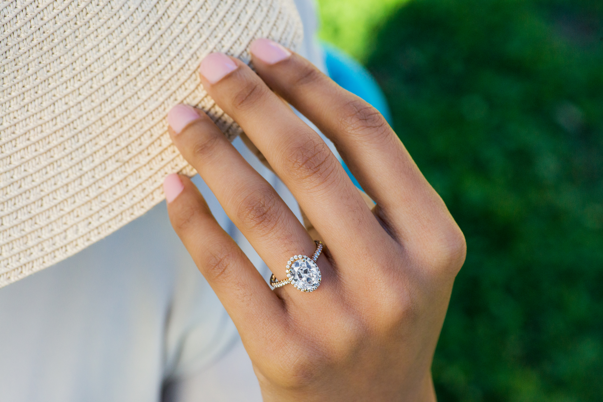 Image 1 of How to Buy a Diamond: 4 C's Diamond Buying Guide