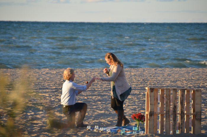 Marriage Proposal Ideas in Breakwater Beach, Geneva-on-the-Lake, OH
