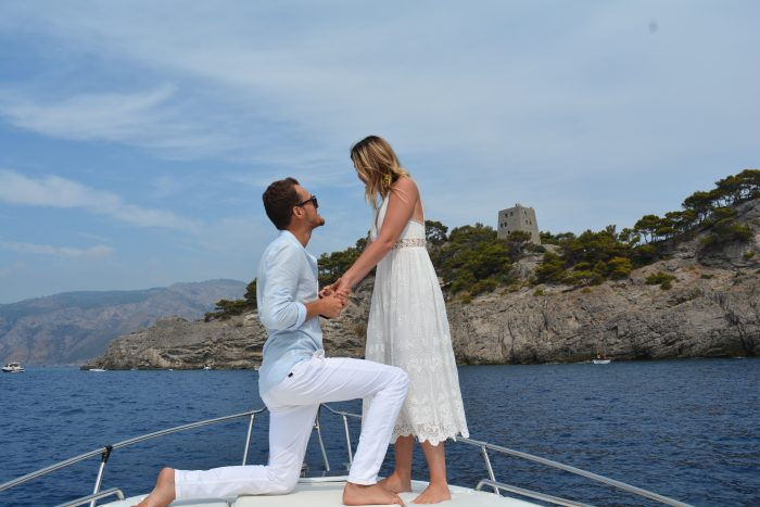 Proposal Ideas On a boat to capri, Italy