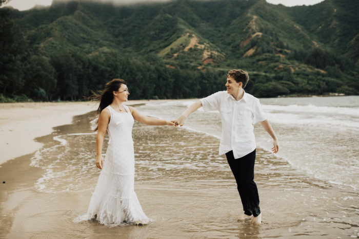 Marriage Proposal Ideas in Crouching Lion, Ka'a'awa Bay, Oahu Hawaii