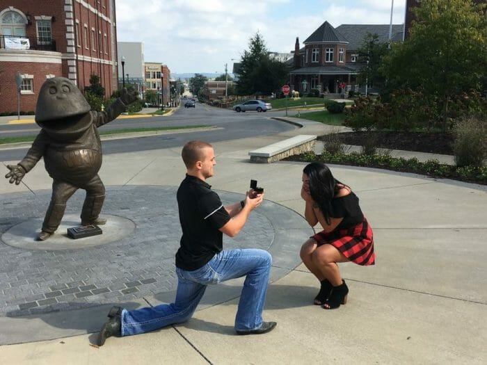 Where to Propose in Western Kentucky University's homecoming