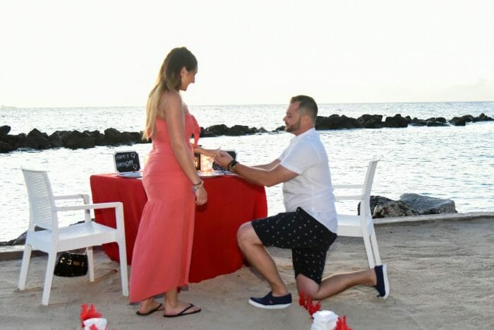 Wedding Proposal Ideas in on the beach in Curaco