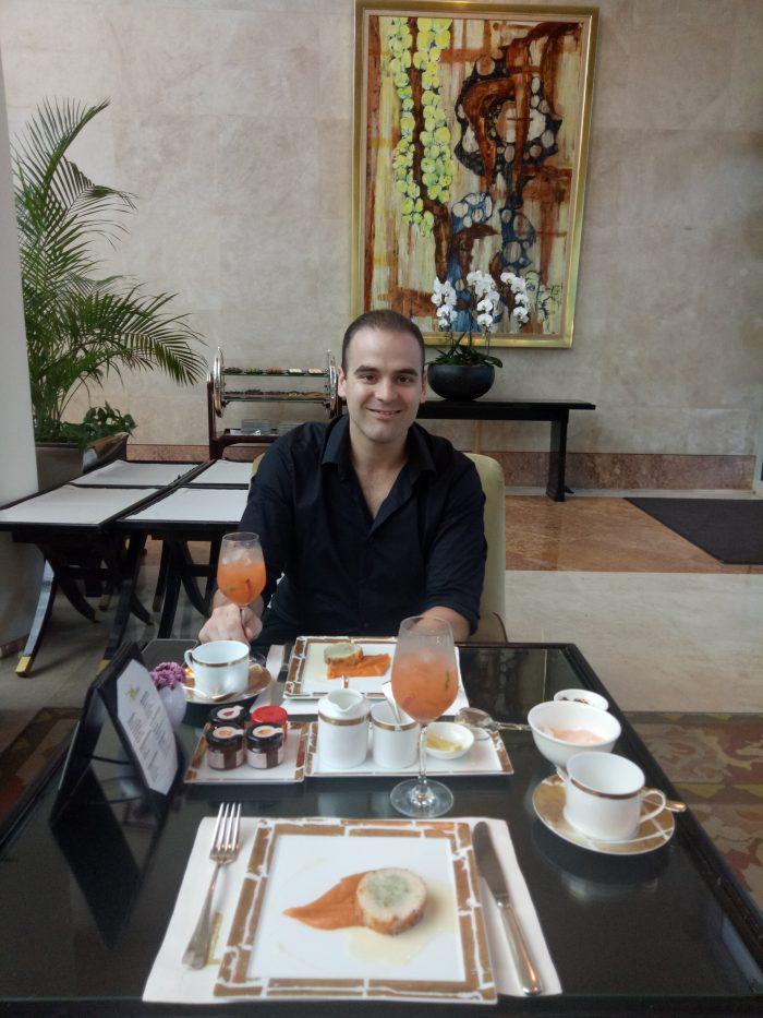 Wedding Proposal Ideas in The Ritz Carlton, Singapore
