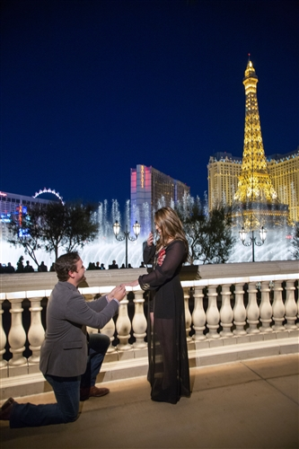 Engagement Proposal Ideas in The Bellagio Fountain in Las Vegas, Nevada