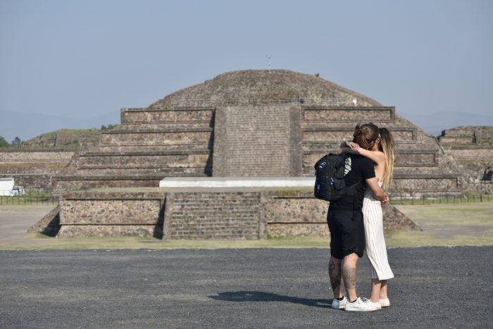 Marriage Proposal Ideas in Teotihuacan piramids - Mexico