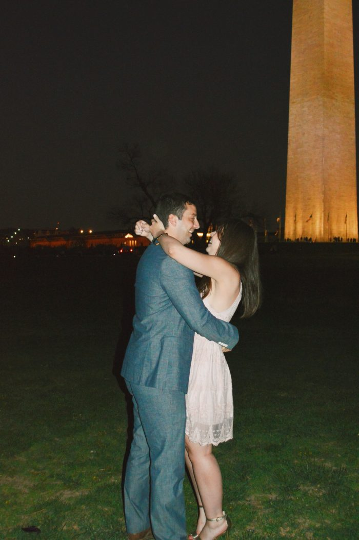 Marriage Proposal Ideas in the washington monument