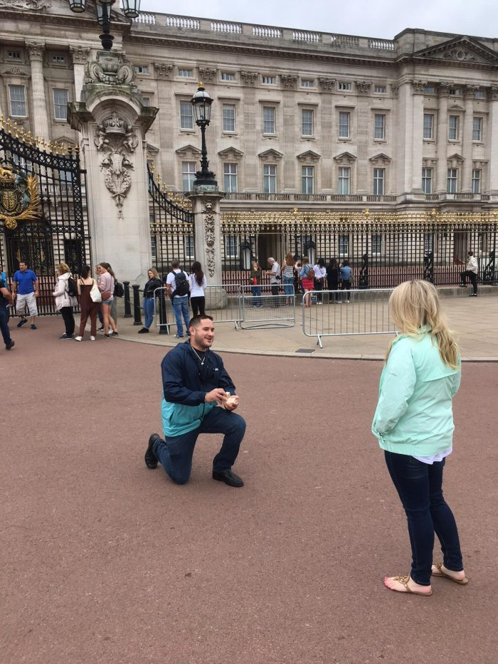 Wedding Proposal Ideas in Buckingham palace