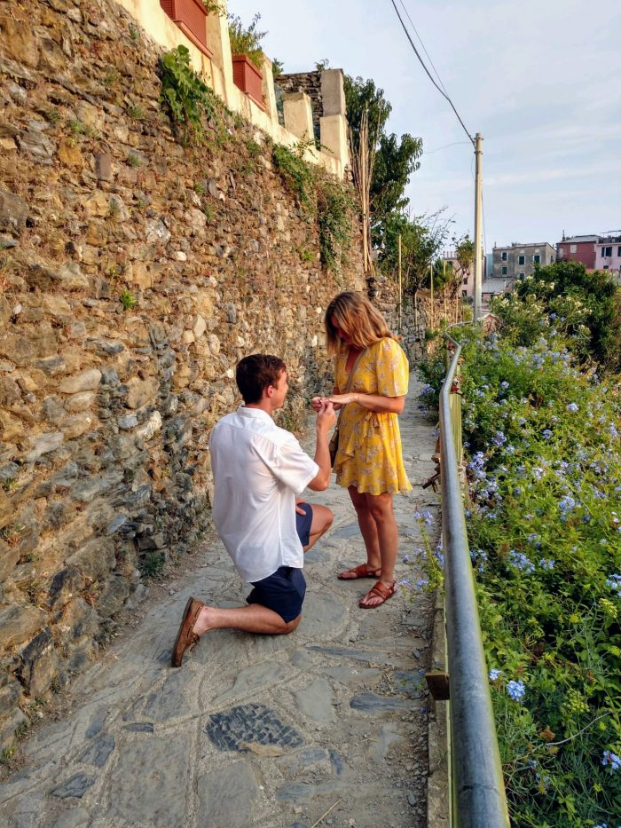 Marriage Proposal Ideas in Vernanzza, Cinque Terre, Italu