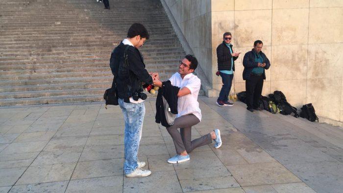 Wedding Proposal Ideas in Trocadero stairs, Paris