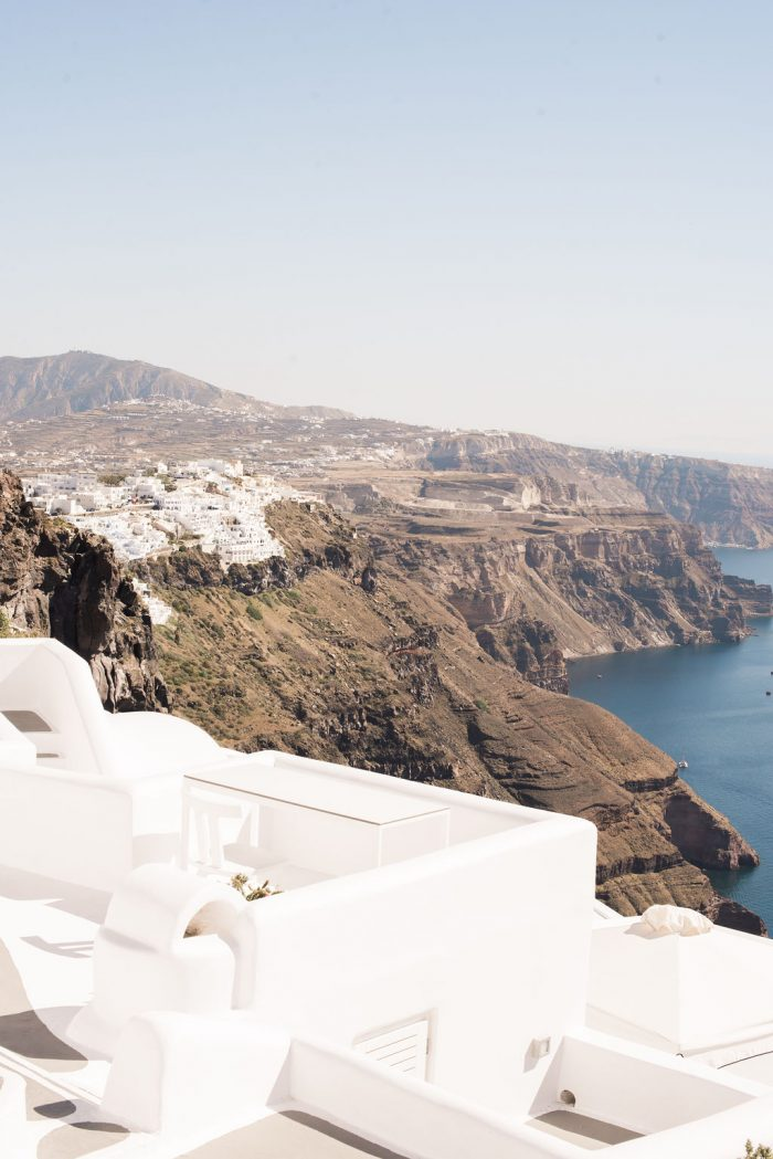 Where to Propose in Oía, Greece