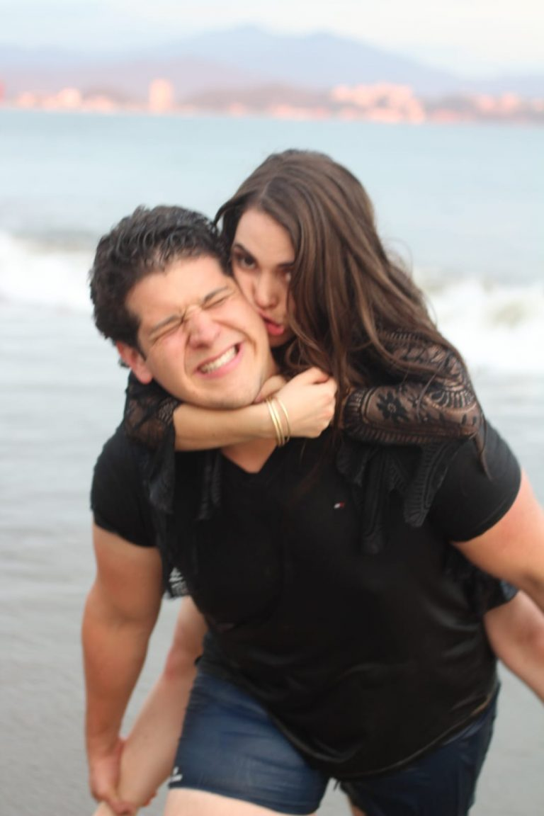 Image 2 of Karla and Héctor