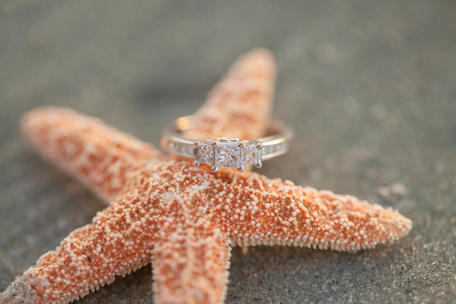 Image 22 of 38 Amazing Engagement Ring Photos