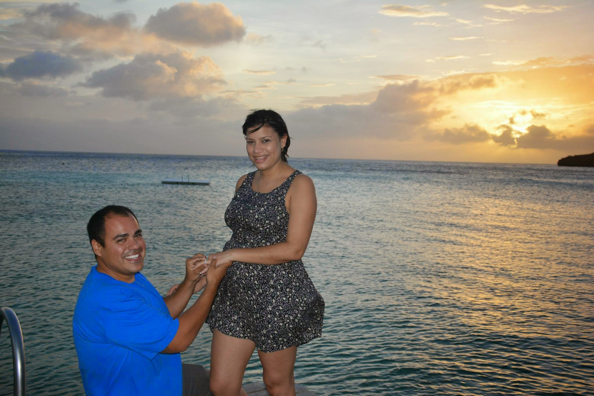 Romatic Beach Proposal on the Island of Curacao (3)