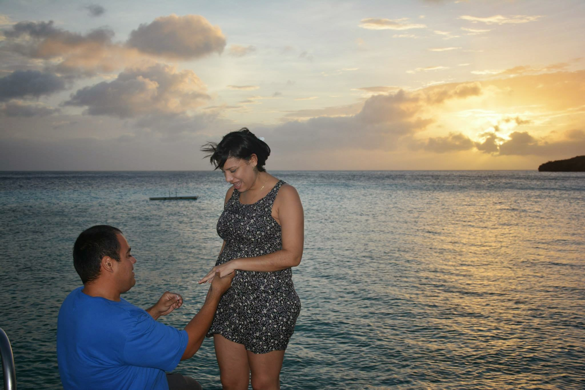 Romatic Beach Proposal on the Island of Curacao (4)